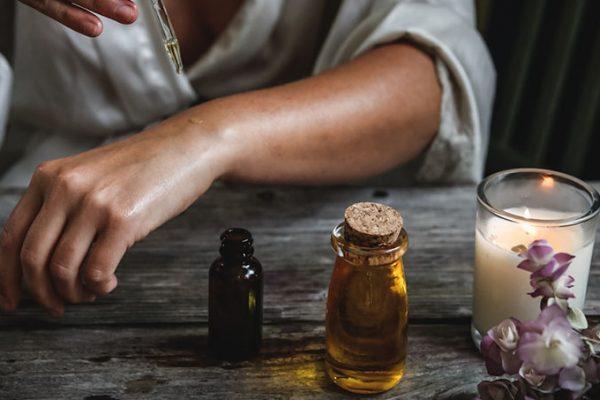 Olejki eteryczne – jak stosować je w domu?