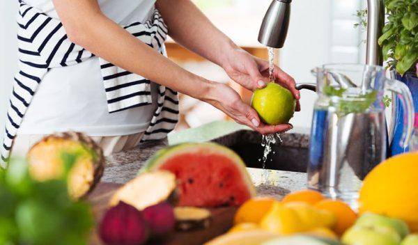 To Ci się przyda: jak poprawnie myć owoce i warzywa